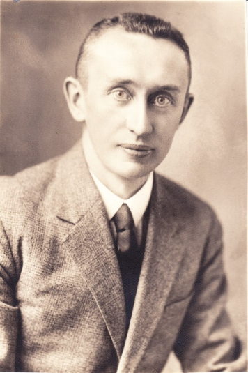 Narodil se Vladimír Mandl